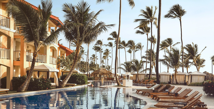 10 Surprisingly Affordable Luxury Vacations for Americans